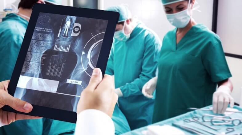 Entenda o passo a passo da cirurgia de prótese de quadril